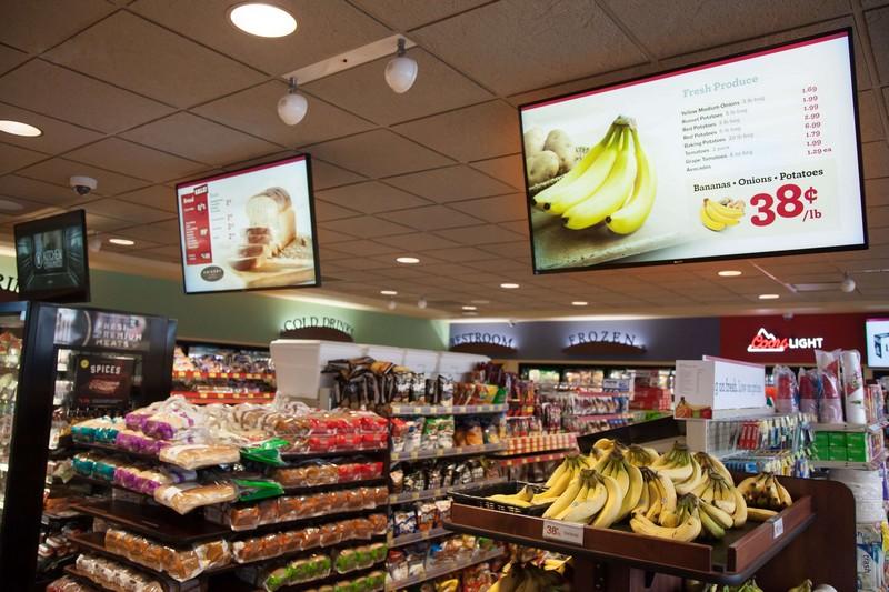 Mídia indoor no supermercado